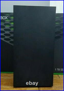 Boxed Xbox Series X 1TB Console 1x Controller wires 2x Games