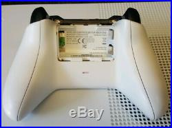 Xbox one s 500gb white console. With one controller, no box